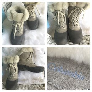 COLUMBIA lace up boots - barely worn
